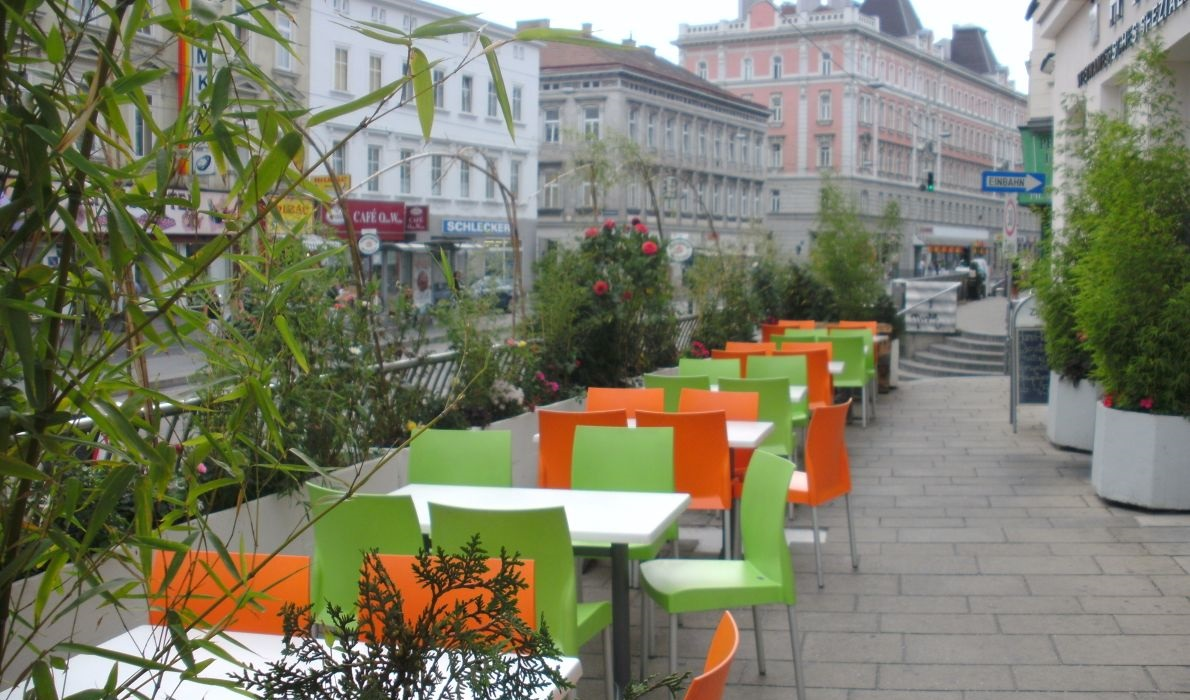 mariahilfer street outdoor dining area